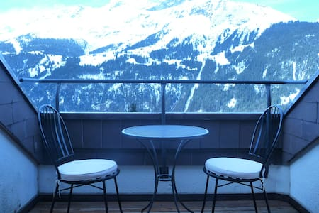 probably the best location in town - Lauterbrunnen - Apartment