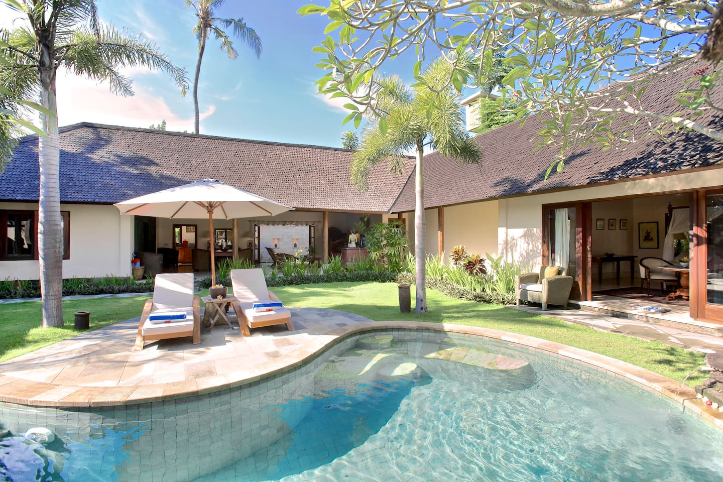 Glorious Colonial Villa in Sanur