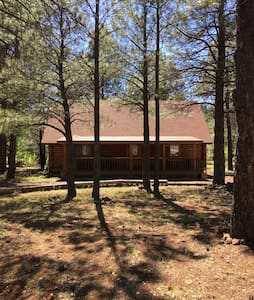 Beautiful Updated Log Cabin - Pinetop-Lakeside - Cabin