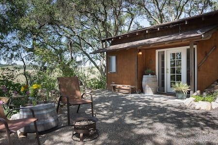 Carriage House Cottage-Paso Robles - Templeton - Blockhütte