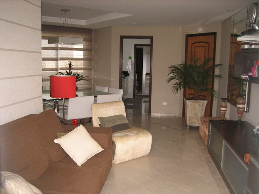 Living Room/  Sala de TV