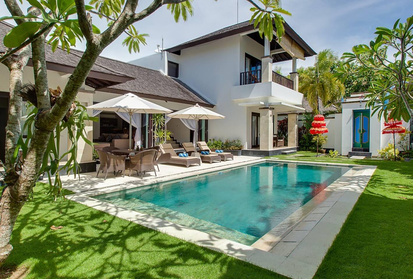 Villa Alamanda overview