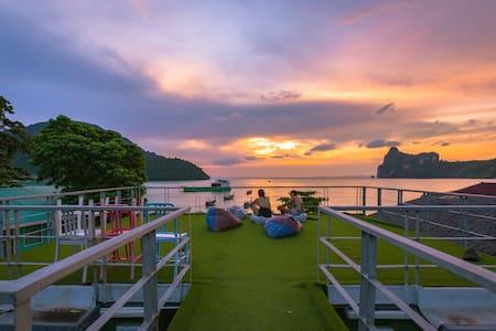The Beacha Club 2, Phi Phi Island - Byt