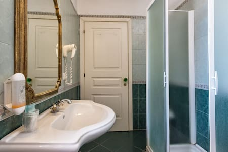 Private room near Venice (10 minutes by car) - Mira - Dorm