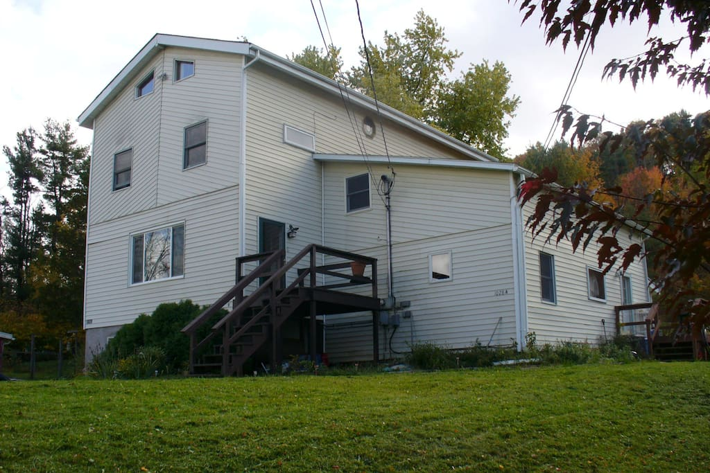 Large country home.. only 10 minutes to the center of town, Cornell and Ithaca College.