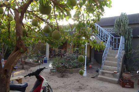 Haalgouta -  Chambre rouge - Uagadugú - Casa