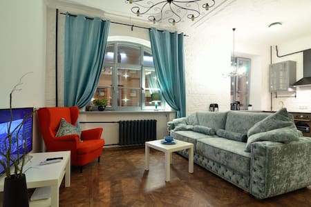 Студия-лофт со спальней у вокзала - Минск - Appartement