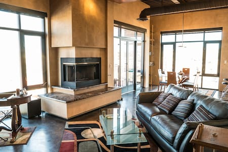 Albuquerque Downtown Executive Loft