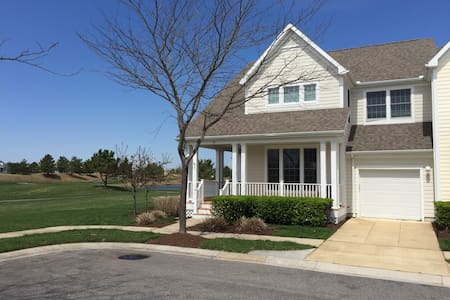 2 Masters with Golf and Water Views - Ocean View - Hus
