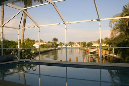 3 bed 3ba House on water with Pool