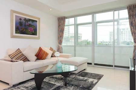 Central located 2 bedroom apartment - Bangkok