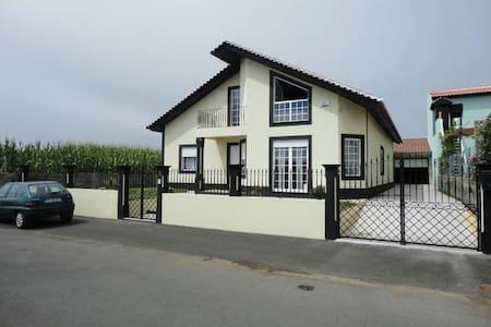 All 3 Rooms for 75 euros per night - S Mateus Da Calheta