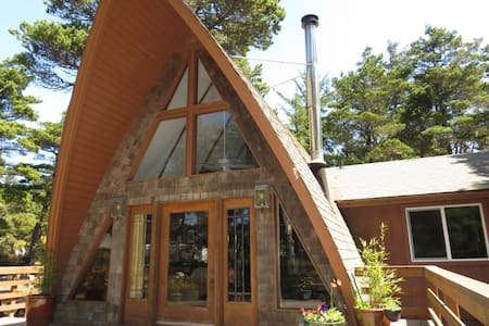 Fabulous A-Frame close to beach - Флоренция - Дом