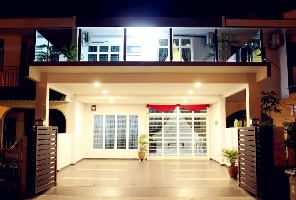 Homely Homestay Night View