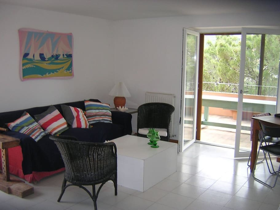 Main living room facing the balcony