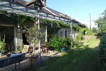 Maison de charme près des Alpes mancelles - Saint-Pierre-des-Nids - Talo