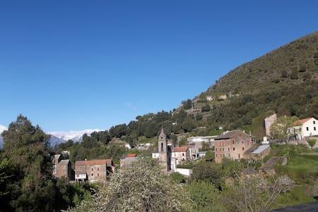 Petite maison de montagne Corse - Ev