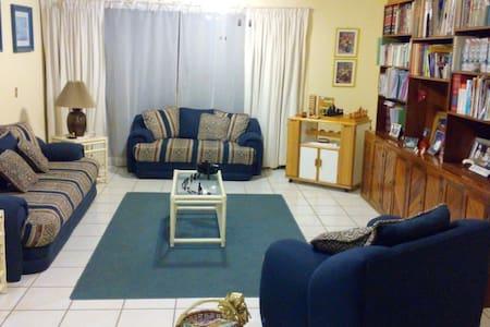 Habitación para 2 personas - House