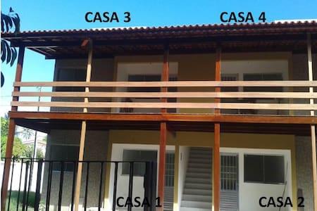 Casas confortáveis a 50 m da praia. - Casa
