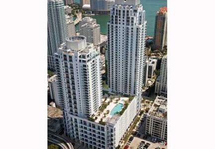 Luxury 2 bdr Apartment - Brickell
