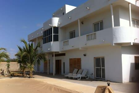 Villa à Sendou, à 400 m de la mer - Casa