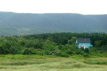 Gorgeous Seaside Home Cape Breton!!