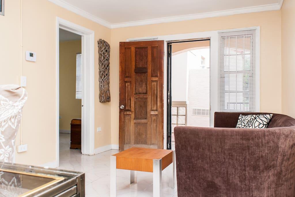 Comfy Art-Deco Guest House