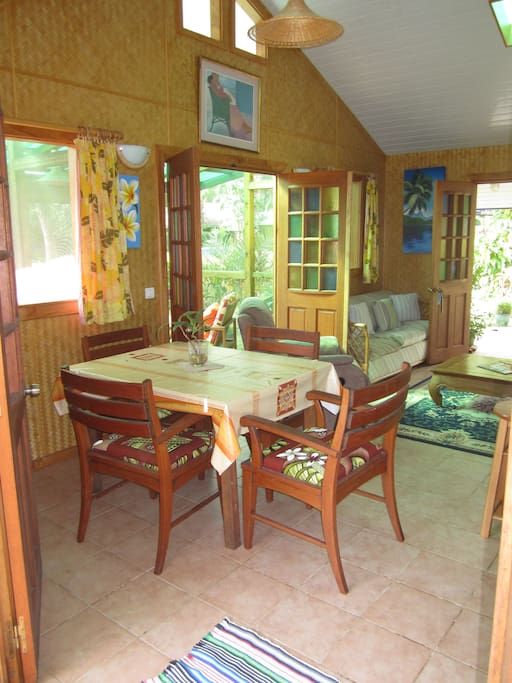 Superior Fare Opuhi Bungalow