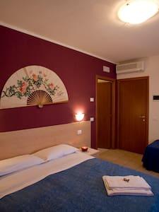 Comfy B&B room  near Venice/airport - Bed & Breakfast