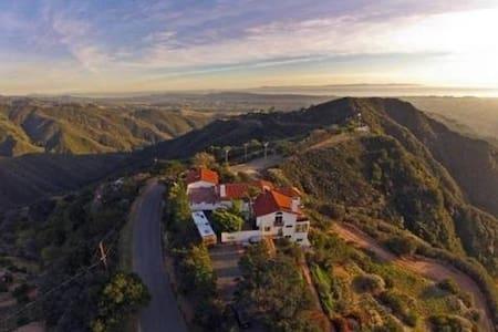 Incredible Ocean View Mountain Retreat home - Σάντα Μπάρμπαρα