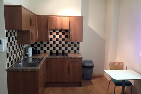 Self contained 1 Bed Flat - Apartment