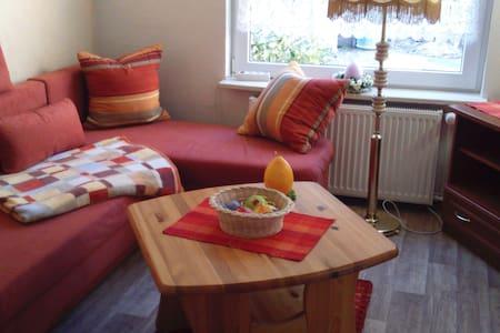 Gästezimmer in Ostseenähe - Jarmen - Konukevi