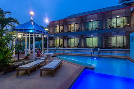 Two single beds with breakfast, gym and pool - Mueang Chiang Rai