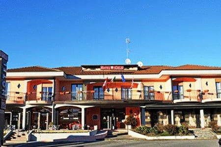 Hotel Lago Maggiore - Castelletto sopra Ticino - Bed & Breakfast