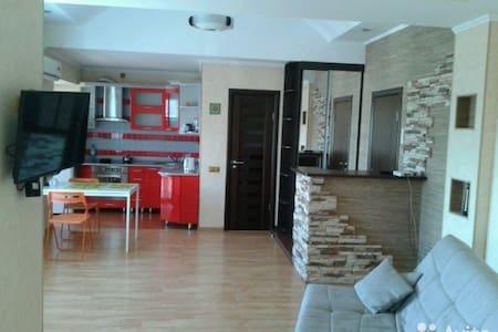 1-комнатная квартира студия  в центре - Wohnung