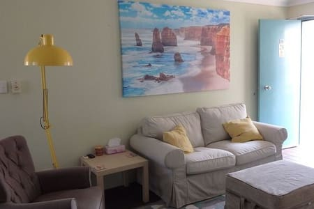 2DR well appoin self contained unit - Long Jetty - Apartment