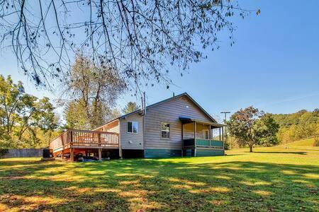 Fully Remodeled 2BR Glen Jean Home - Ház