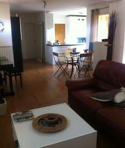 Chambre de 10 m2 - Apartment