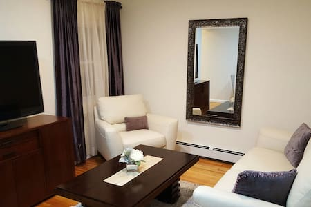 Comfy 2 Bedroom Minutes from JFK