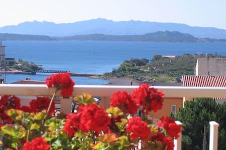 B&B Il Sorriso  terrazza vista mare - Bed & Breakfast