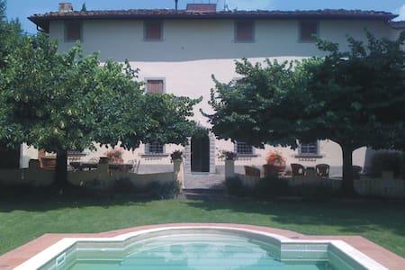 Entire Panoramic Tuscany Villa  - Lamporecchio