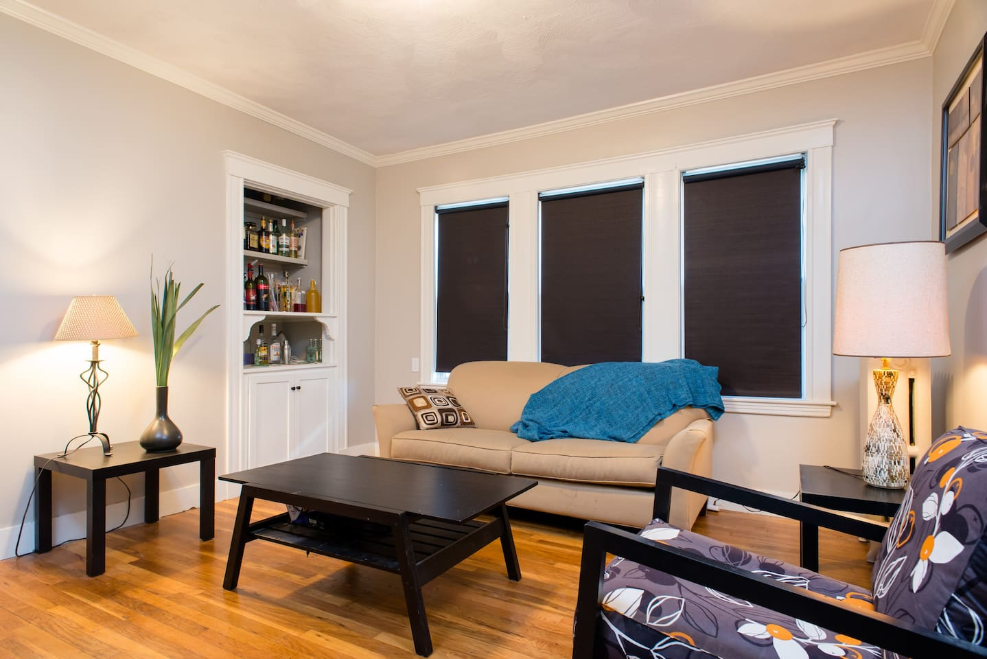 Room in renovated apartment (Queen)