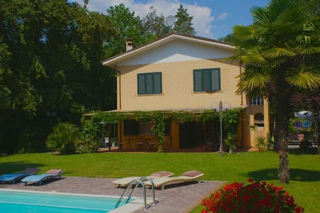 Villa con piscina vicino Lucca - San Martino In Freddana-monsagr - Villa