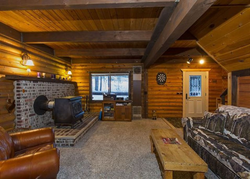 Charming wood cabin with hot tub cabins for rent in for South lake tahoe cabins near casinos