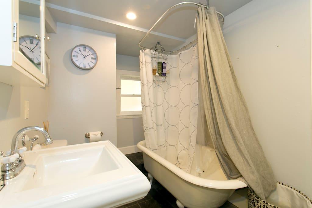 downstairs bathroom with clawfoot tub.