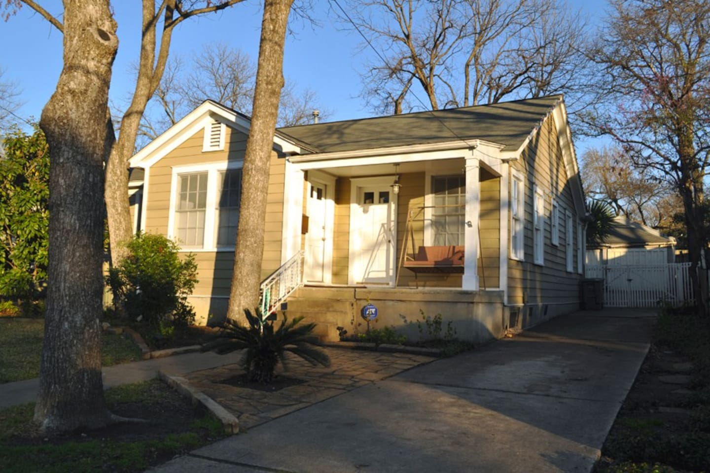 SXSW ACL F1 Cottage 1.6 Miles To DT