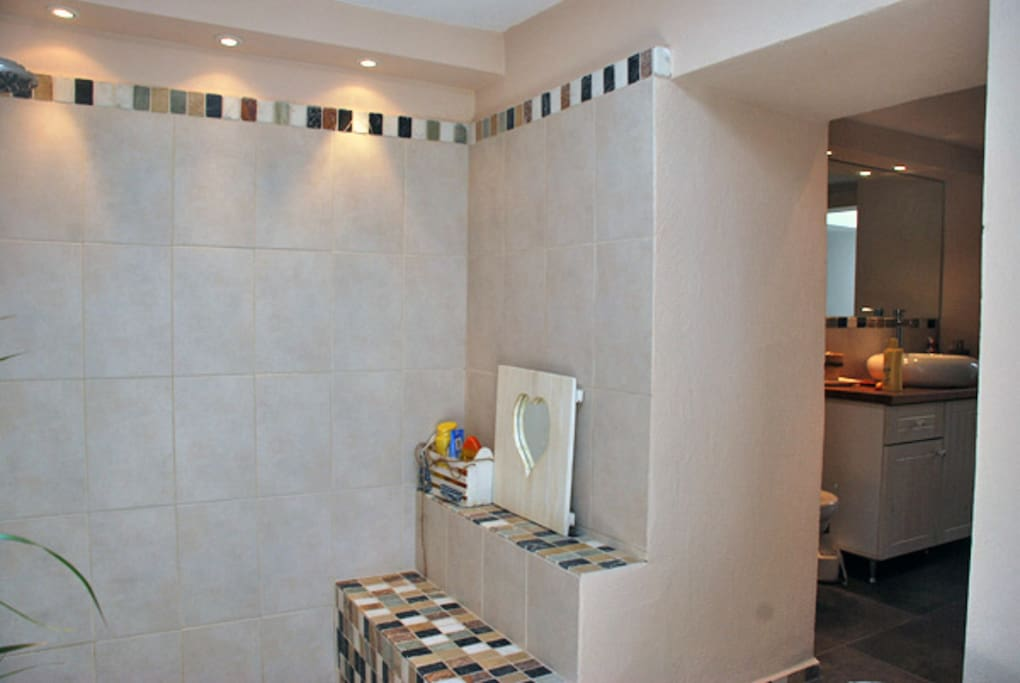 Wet room with sunken shower