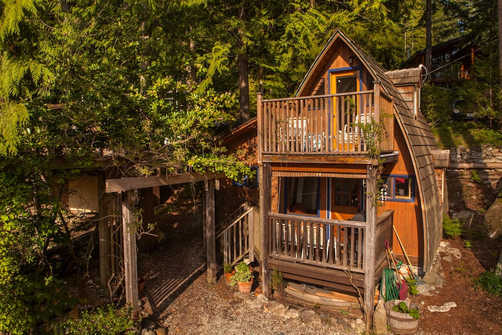 Cozy cabin with ocean view 1 cottages for rent in for Airbnb cabins california