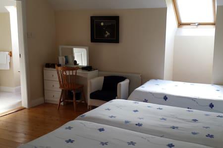 Caha's House triple room 1