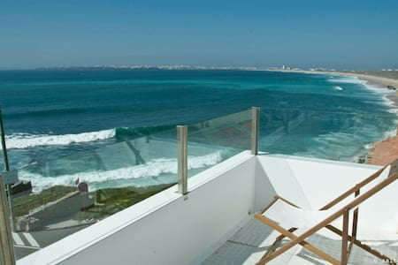Casa do Forte - Peniche, Supertubos - Pis